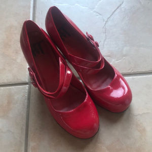 3/$30 Hot Topic Red Patent Pin-Up Heels Size 9